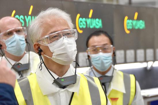 Japanischer Botschafter besichtigt Fabrik von GS Yuasa und macht sich ein Bild von den Investitionsplänen im Umfang von mehreren Millionen Pfund